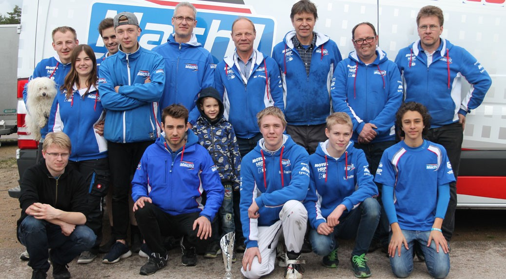 Team picture of the Mach1 drivers at the RMC Open in Wackersdorf